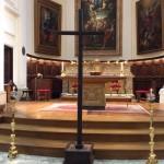 L'altare spoglio del Venerdì Santo